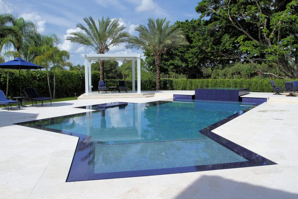 How to Make Your Swimming Pool Design the Focal Point of ...